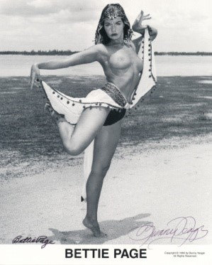 Bettie Page Autographed Bunny Yeager 8x10 1950s Pin-up Photo 057