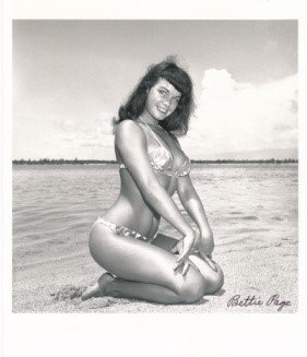 Bettie Page Autographed Bunny Yeager 8x10 1950s Pin-up Photo 043
