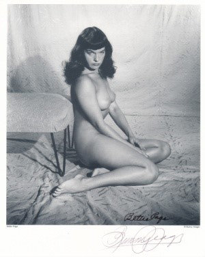 Bettie Page Autographed Bunny Yeager 8x10 1950s Pin-up Photo 001