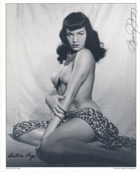 Bettie Page Autographed Bunny Yeager 8x10 1950s Pin-up Photo 034