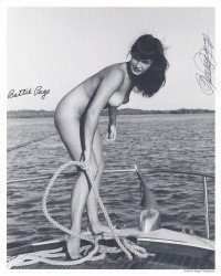 Bettie Page Autographed Bunny Yeager 8x10 1950s Pin-up Photo 019