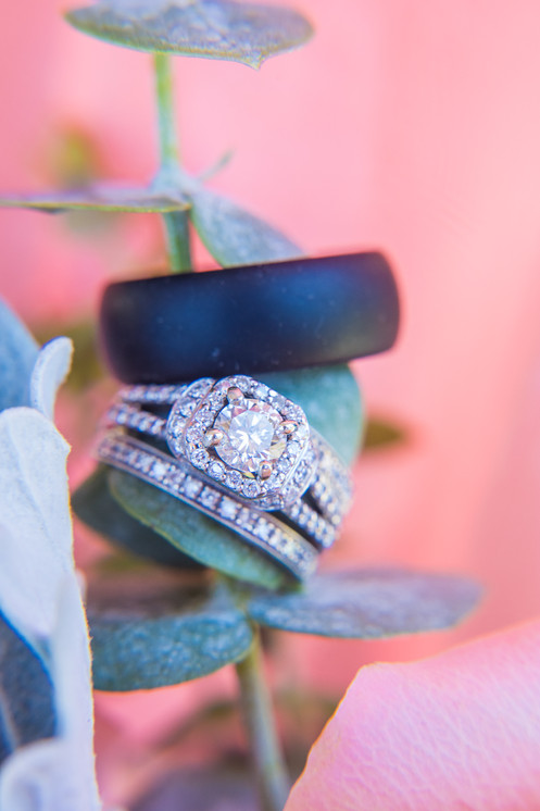 Rings with bouquet