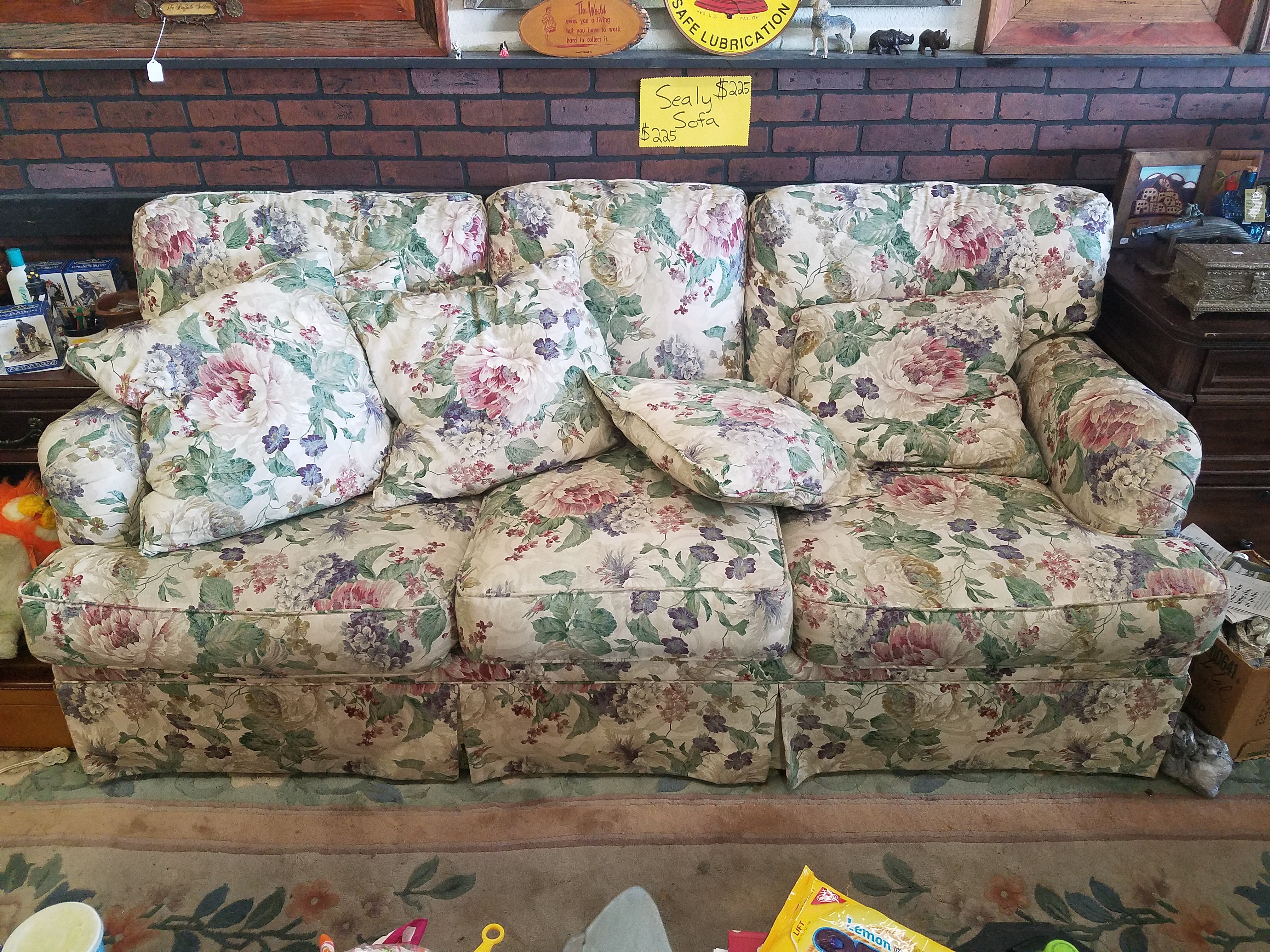 johnstuff | Sealy Floral Print Sofa