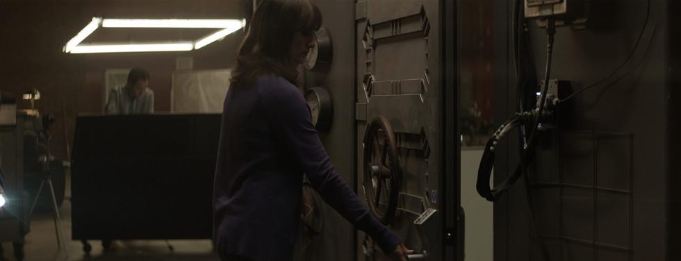 airlock-door.jpg