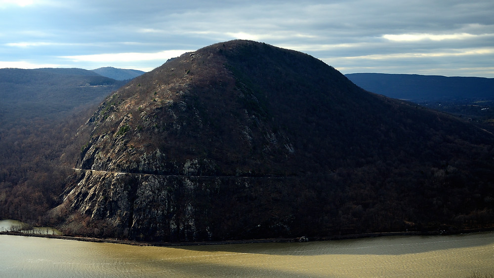 The classic Storm King view from Breakneck Ridge