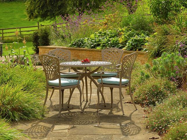 Ashbury-table-900-set-ASHT900.jpg