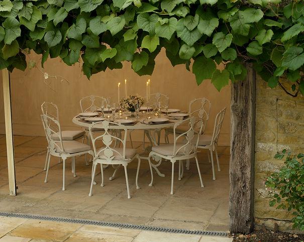 Barrington-table-1600-set-L2.jpg