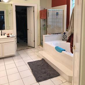 Bathroom Before1.JPG