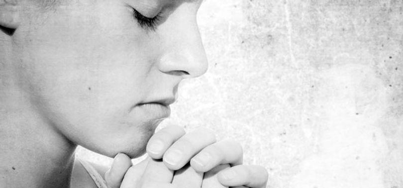 woman-in-prayer.jpg