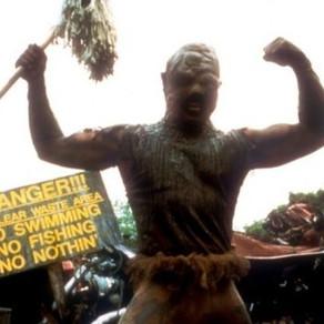 Toxic Avenger | Reboot escala Kevin Bacon como vilão