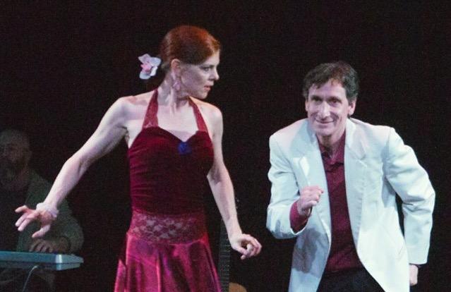 Gregory Gonzales y Amy Anderson