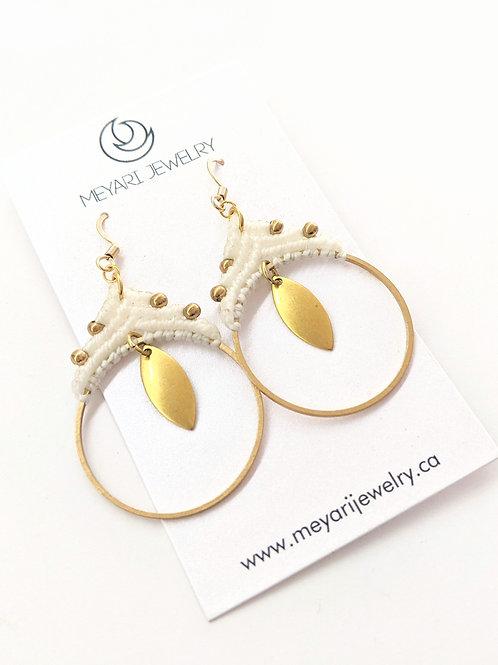 Meyari Jewelry - White & Brass Macrame Earrings