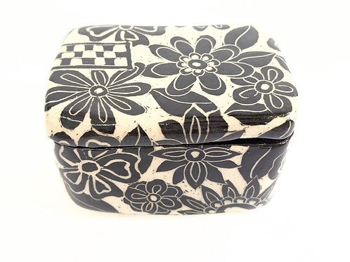 Paulina Beads - Floral Treasure Box