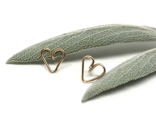Naked Sage - Gold Heart Studs