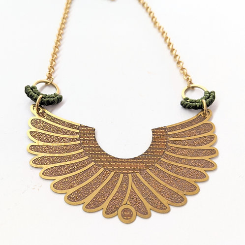 Meyari Jewelry - Brass & Green Macrame Necklace
