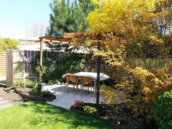 RS-PAYSAGISME pergola acier, jardin de ville, creation de jardin, erable du japon