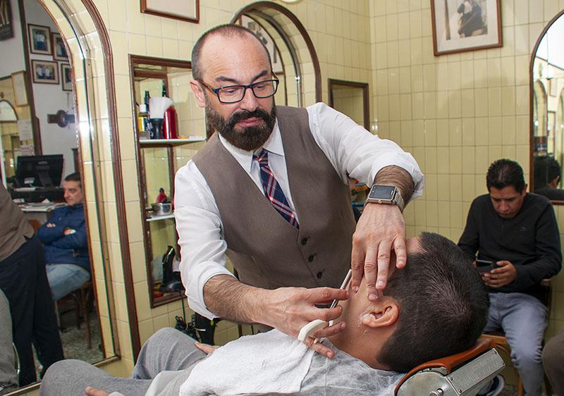 Peluqueria Moderna Afeitado navaja