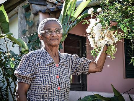 Conheça a história de Dona Flor e saiba como apoiar seu sonho e o sonho da sua comunidade