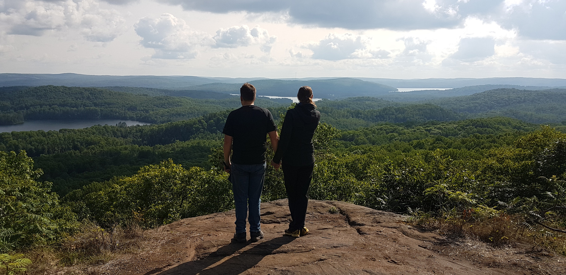 couple at scenic lookout ontario