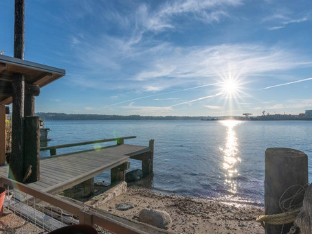 FEATURED: Waterfront Escape Near Seattle Ferry!