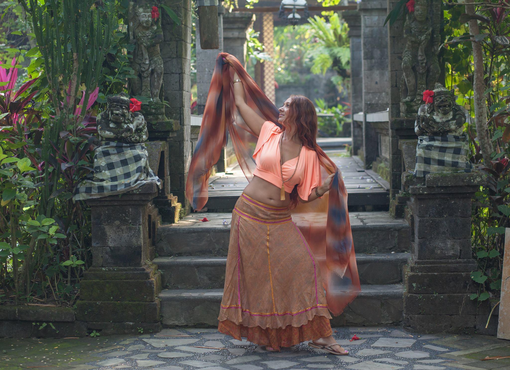 Shake Dance | Lyonne Sundari
