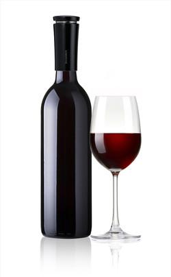 VINAER Wine Aerator Black on Bottle
