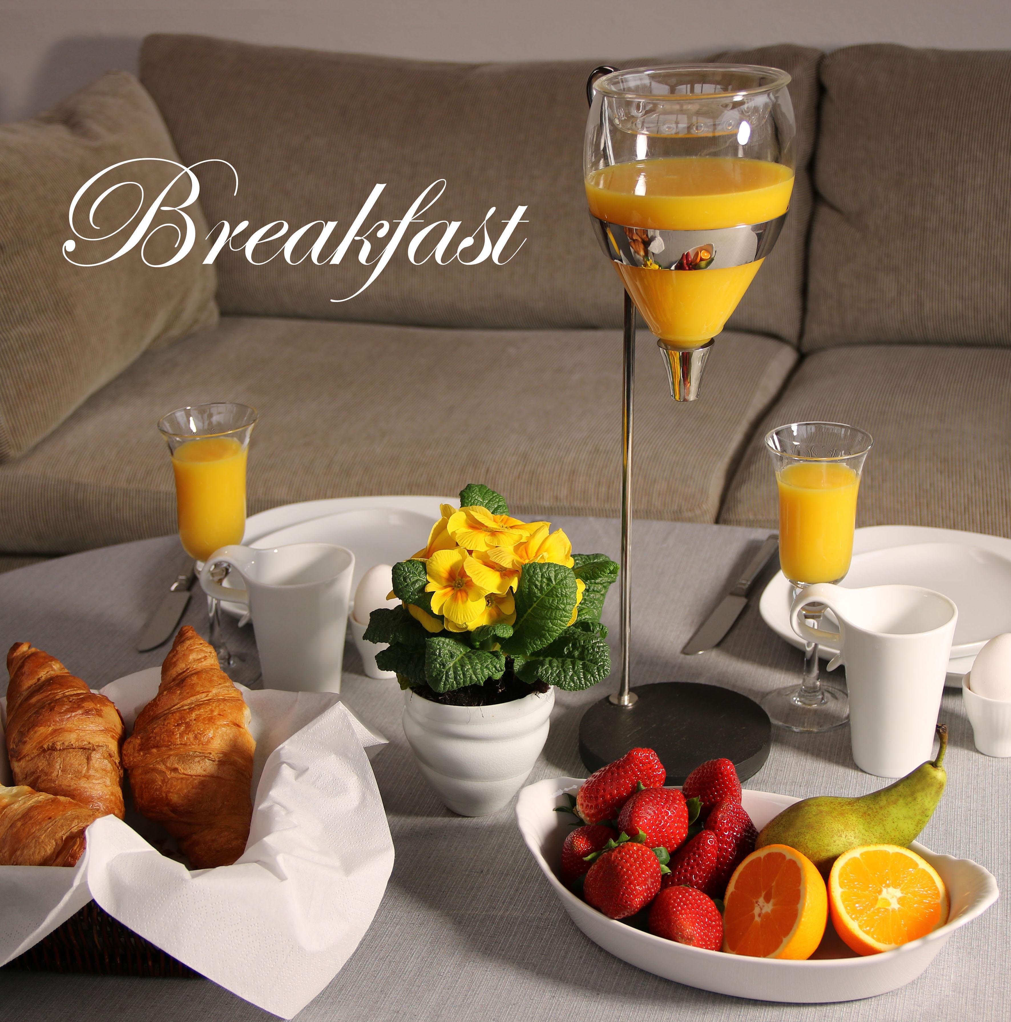 Table Tower-Breakfast