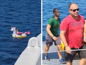 Grecia: Una bambina in un gonfiabile portata alla deriva in mare aperto - IT EN FR (VIDEO)