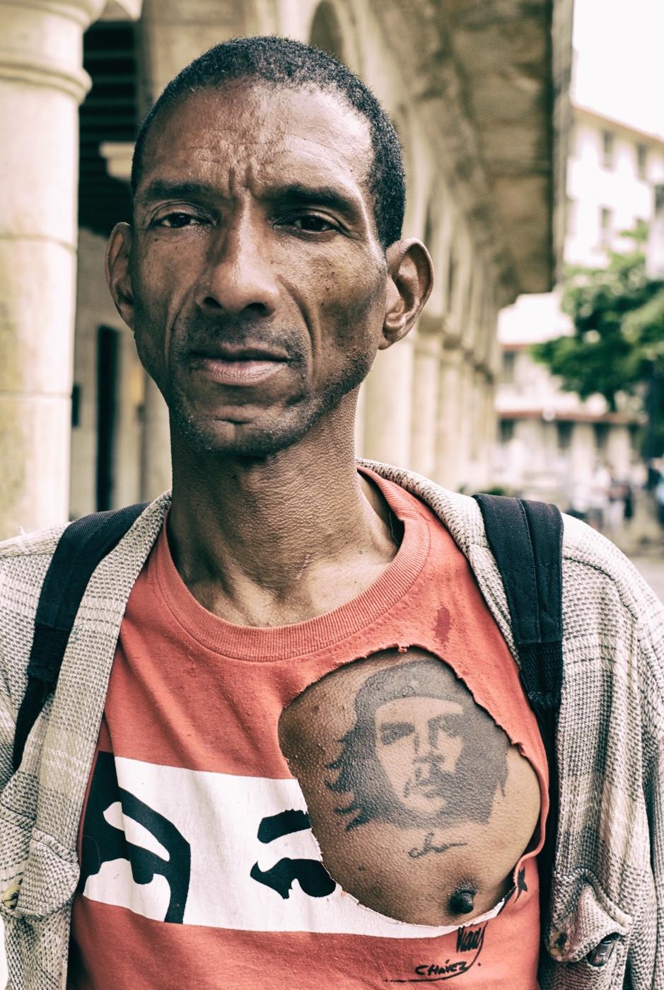 Man with Che tattoo, Havana