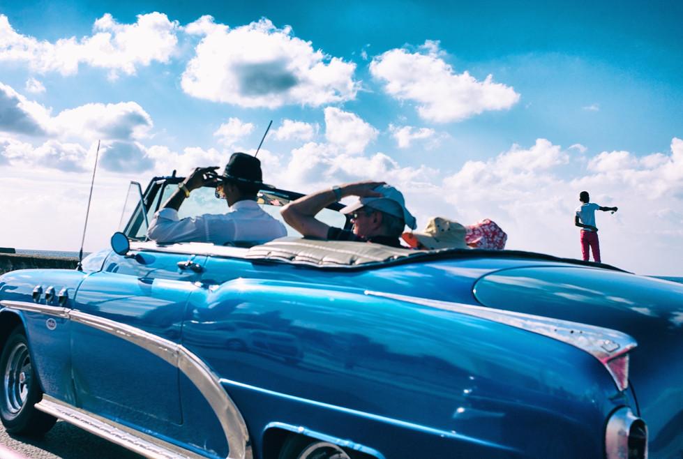 Blue car, Havana