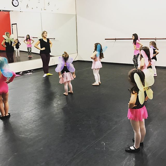 Our ballerinas ❤️ NEW STUDENTS! Receive 1 free month when you sign up for 2017 ---_ make this the be