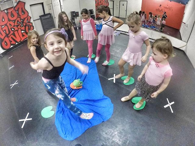 Princess Ballerinas fun with our froggy jumps 🐸