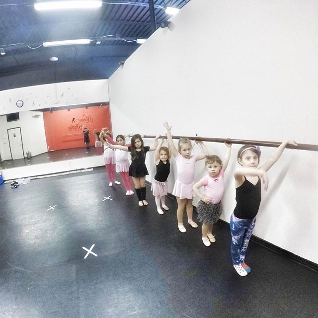Our beautiful Ballerinas at the barre during our February break Princess Ballerinas class! 🦋🎀❤👑👸