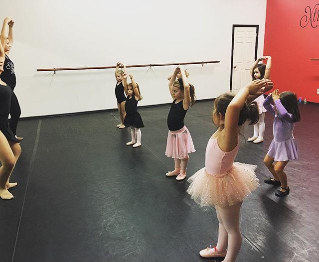 Learning our plies in center • Princess Ballerinas _Fairy Garden Adventure_ 🎀🎉 #xrdance #dancing #