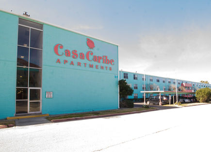 Casa Caribe Apartments building