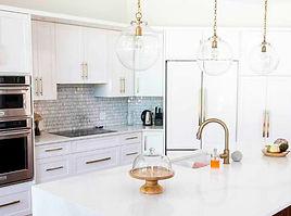 andi kitchen 2 compressed.jpg