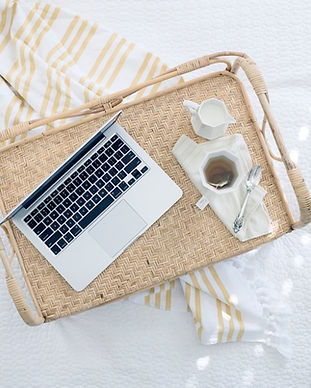 Laptop na bandeja