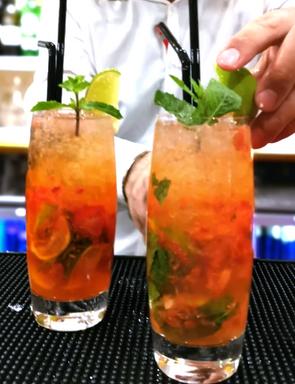 Calcutta club Strawberry Mojito