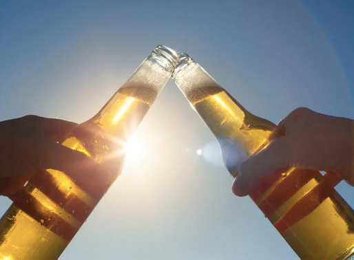 Melbourne doctor calls for lockdown booze ban amid obesity fears