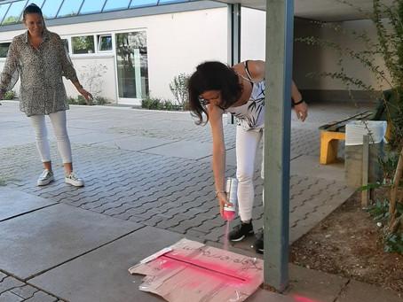 Pink für einen sicheren Schulhof