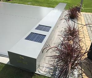 Couverture de piscine Coverseal C600 Modèle Automatique Caisson gris Membrane grise.