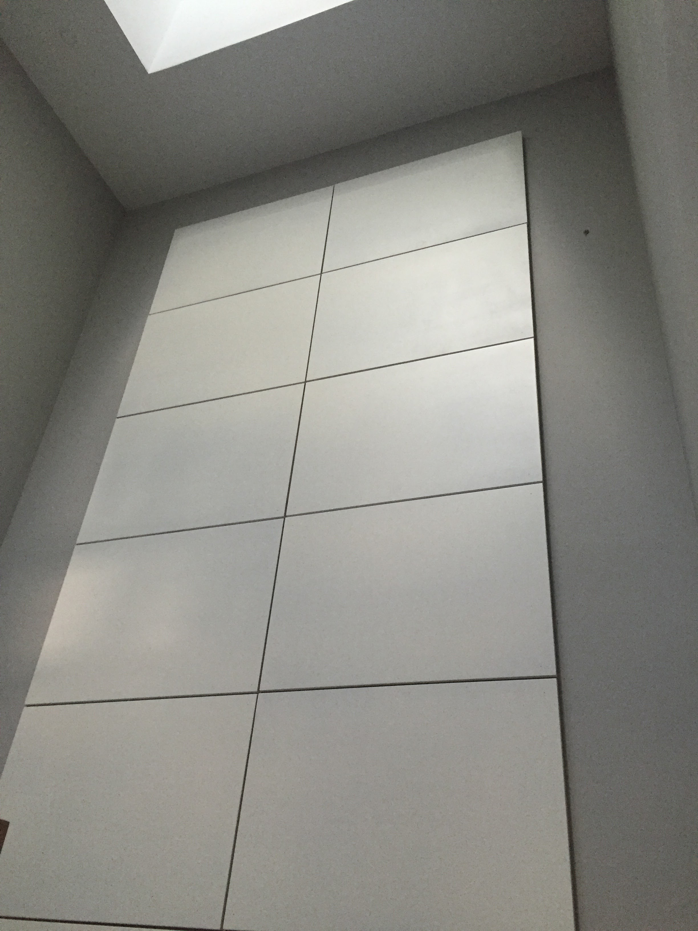 Feature Wall - Modern Style