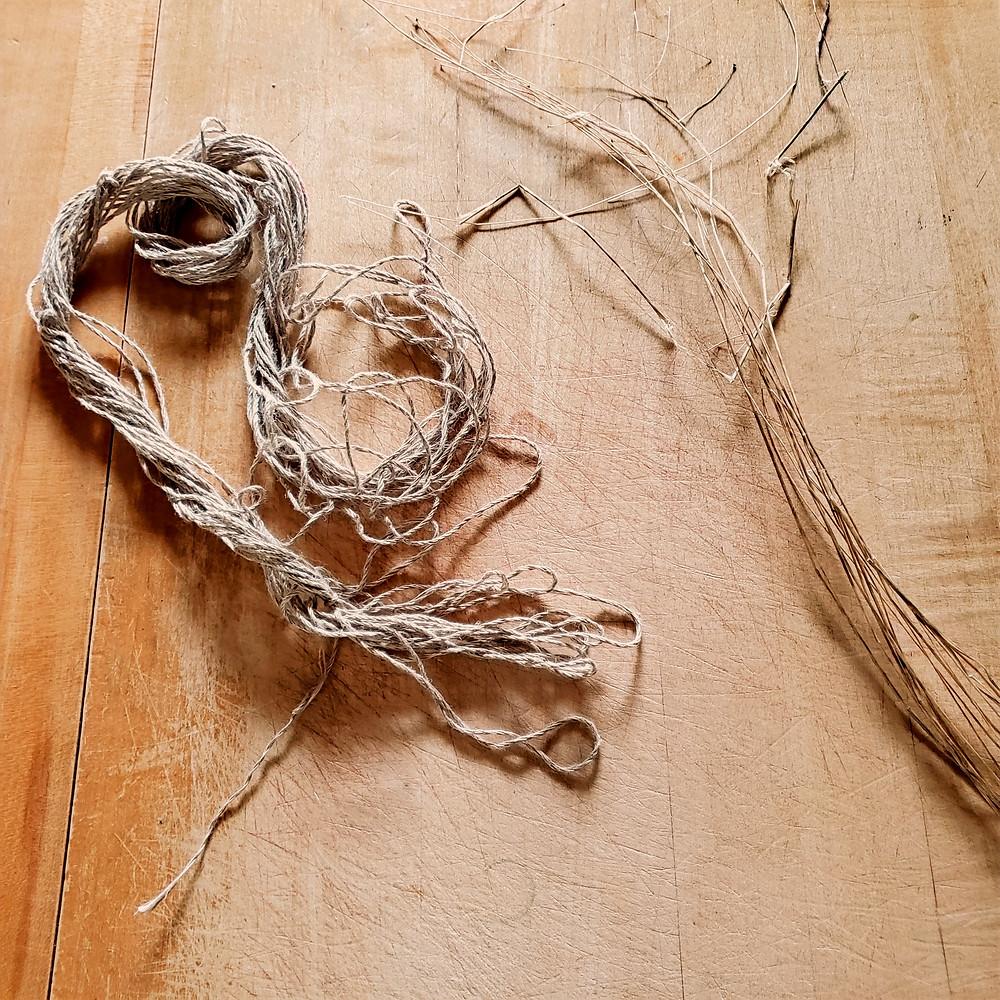 flax fiber and raw dried flax