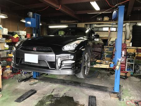 R35 GT-R 車高調純正戻しと電動ファン作業