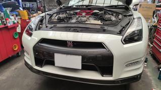 R35 GT-R マフラー交換作業
