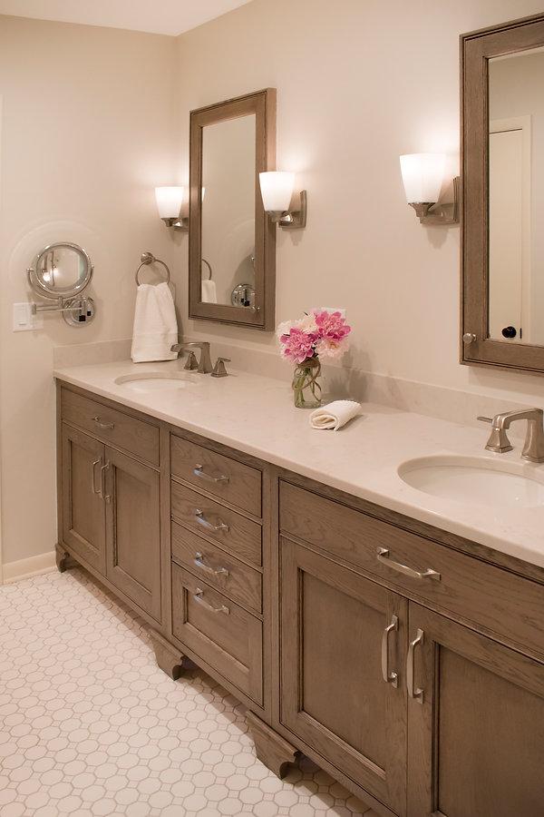 Woodmode inset white oak, Ragno Glossy Brick, Delta Ashlyn faucets