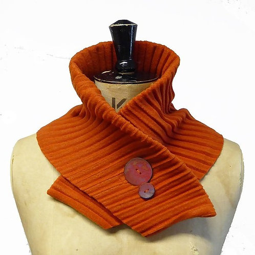 Anna Falcke Fleece Collars with button