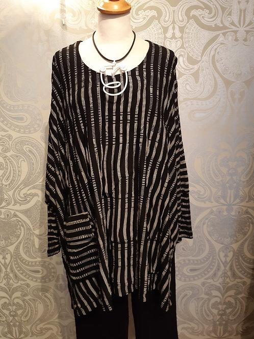 Ralston  black and white stripe overside top