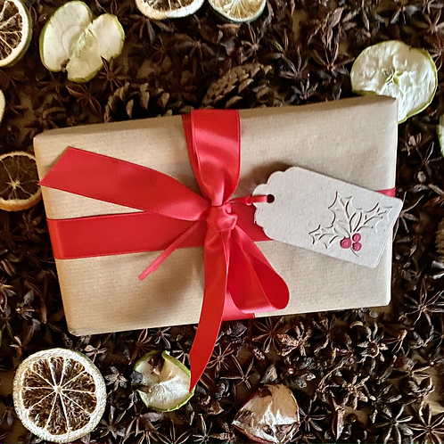 Rustic Holly Present Tags (Pack of 12)