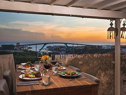 Fort_Nassau_Sunset_dinner.jpg